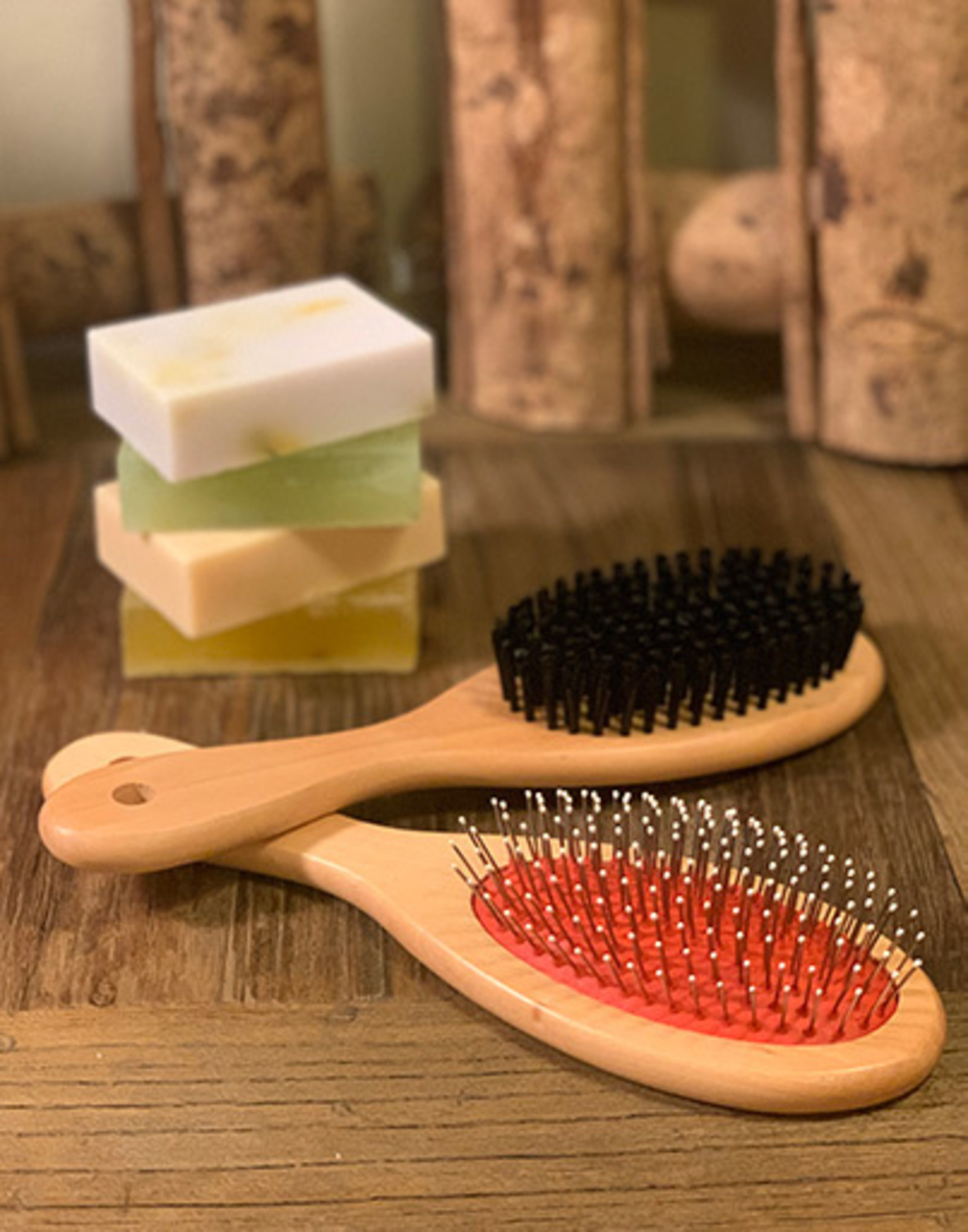 Wooden Rubber Cushion Brush with Wire Pins