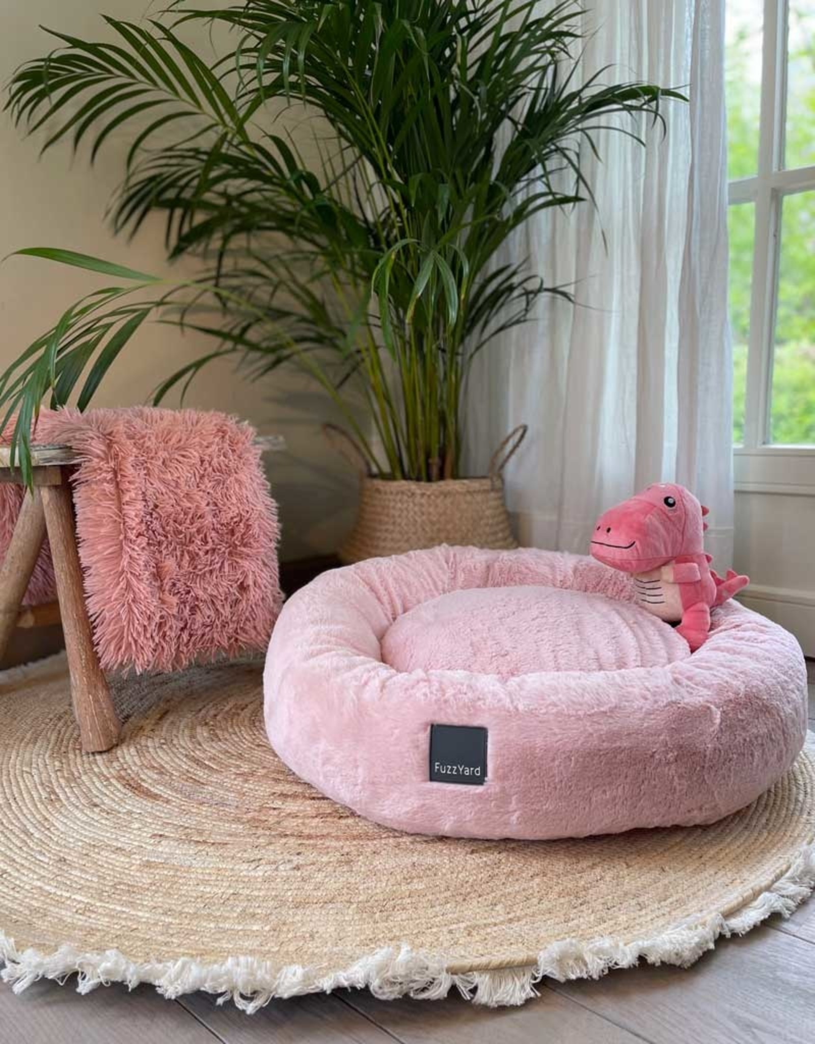 Dreameazzzy | Extra Soft Donut Bed - Pink