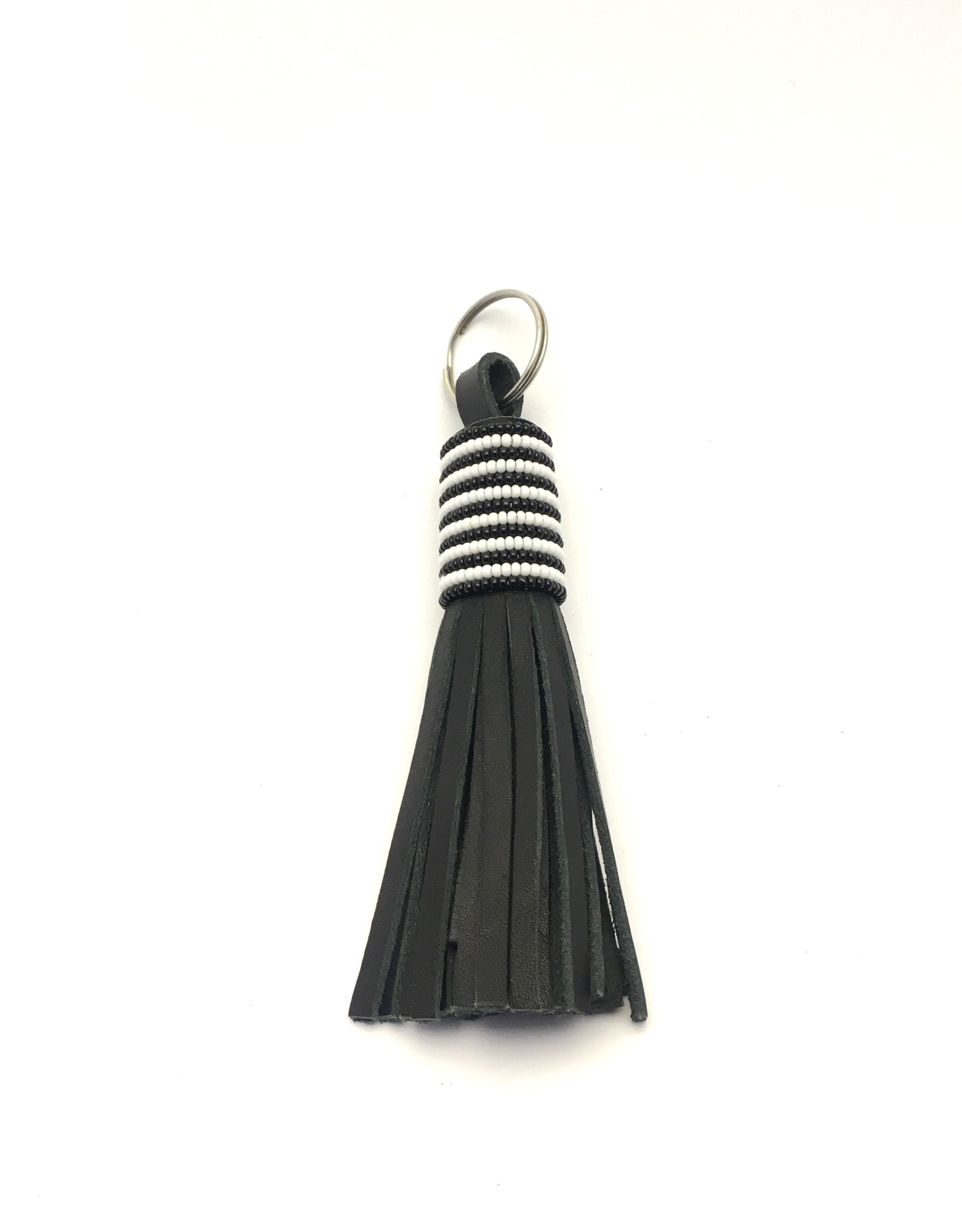 Maisha.Style Black and white beaded keyring with tassels in black leather