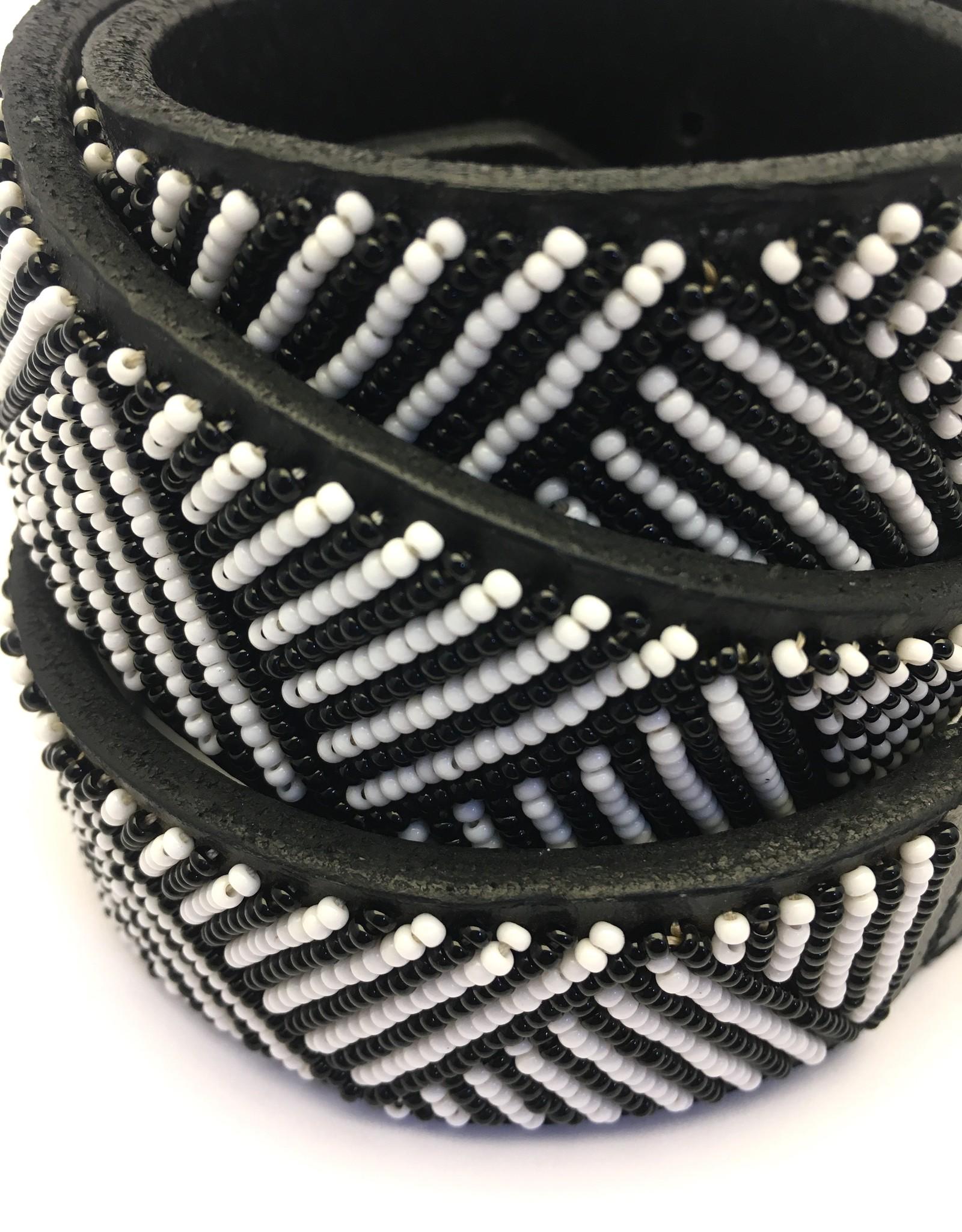 Maisha.Style Belt for Elisa - black leather Maasai belt with black and white beads
