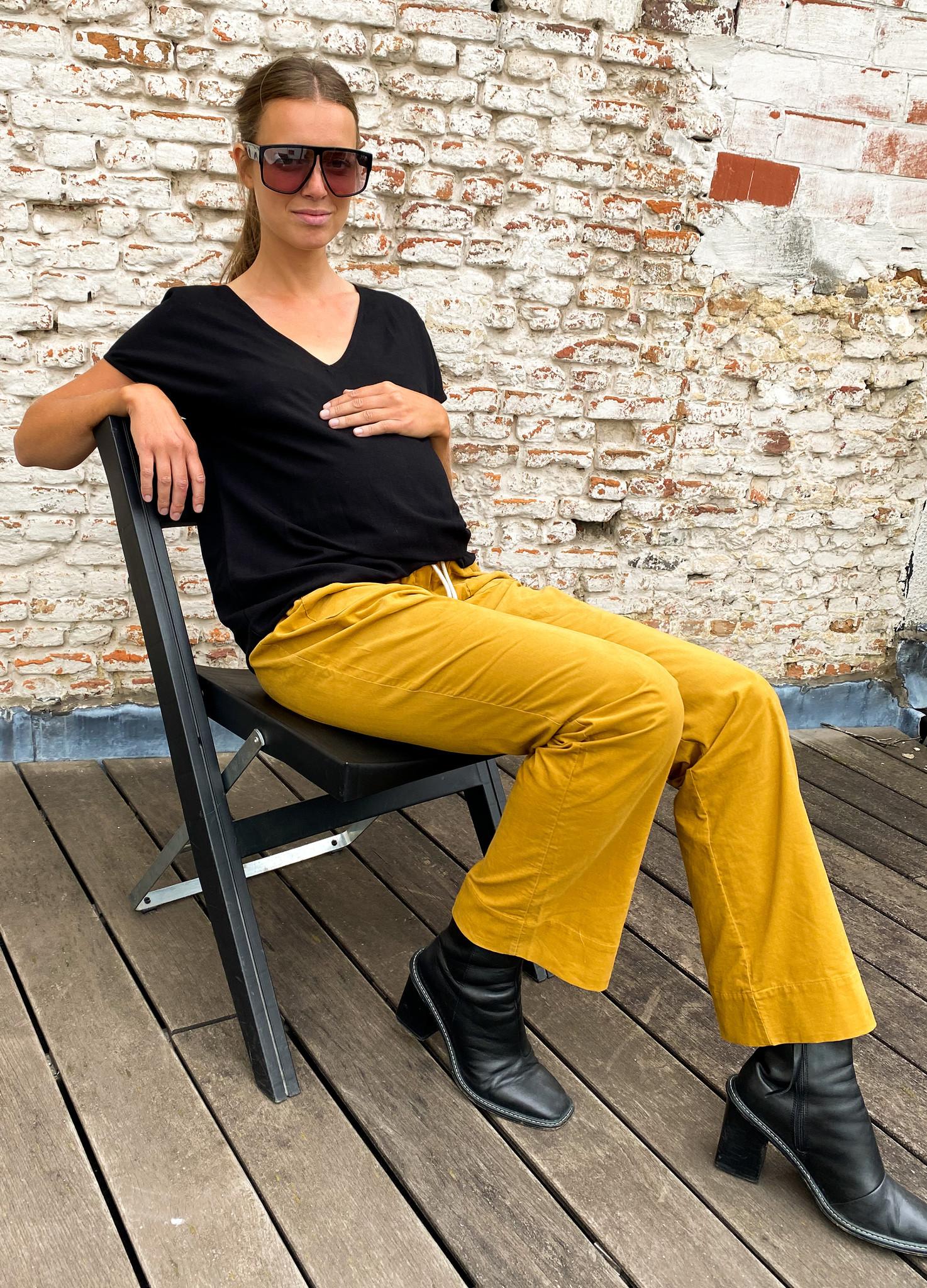V-shirt - black light linen-3