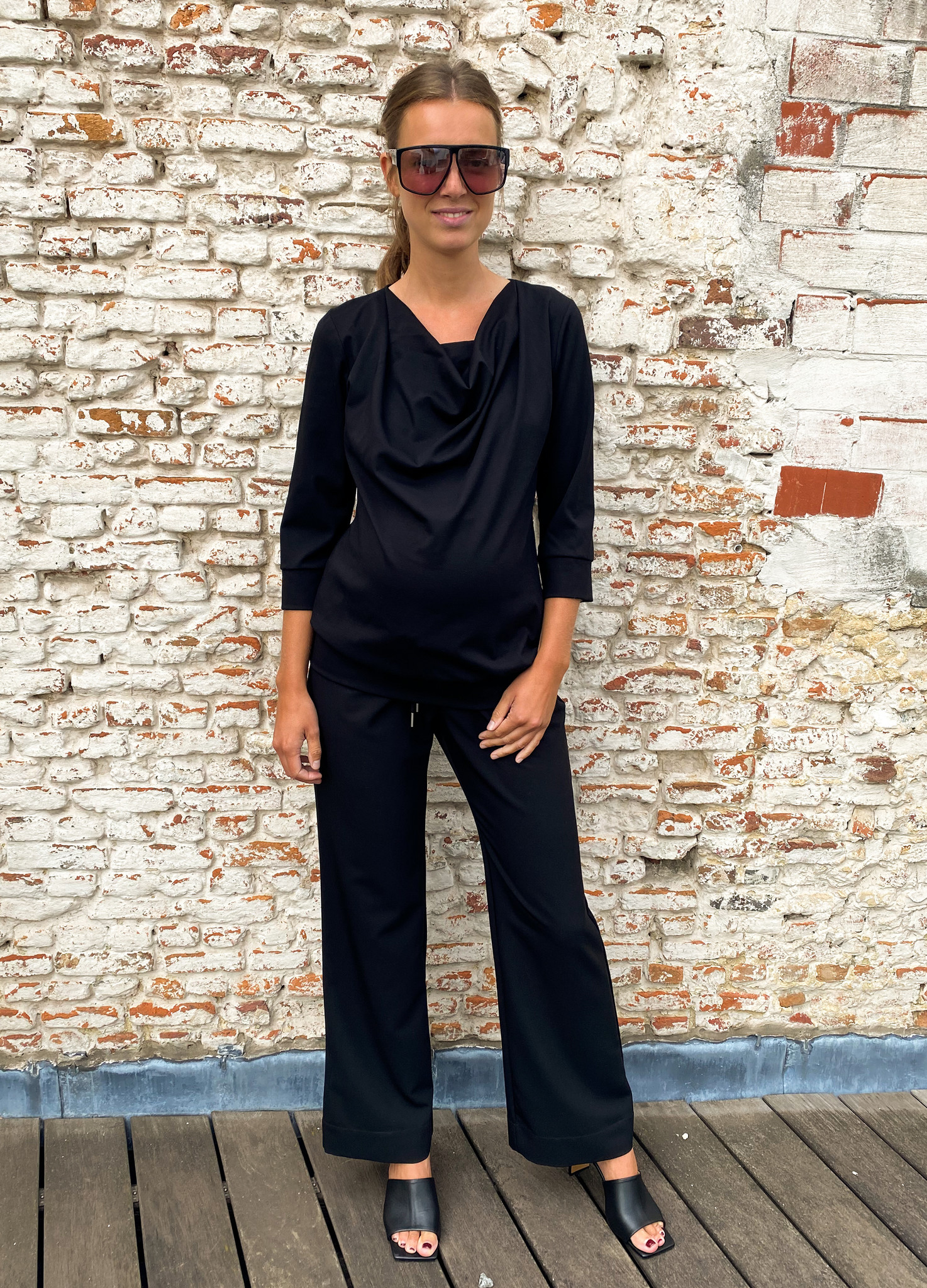 Relaxed trousers - black-1