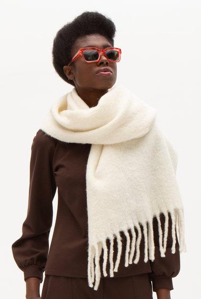 Cosy cream scarf