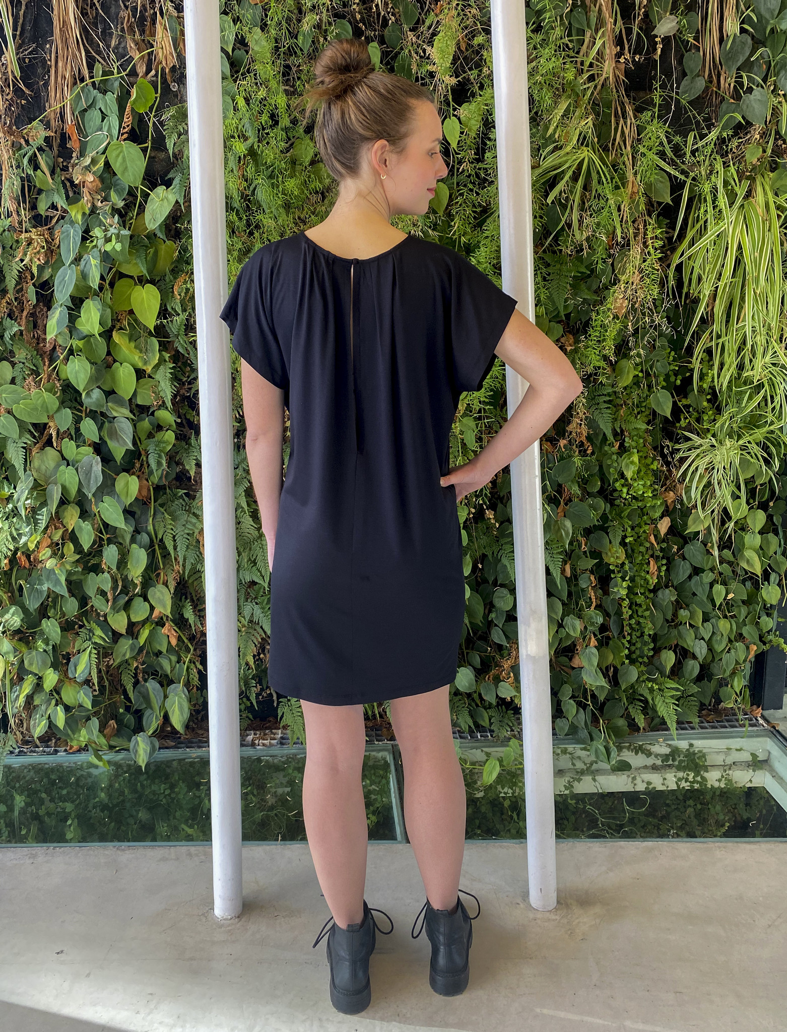 Roundneck Tunic  Black-3