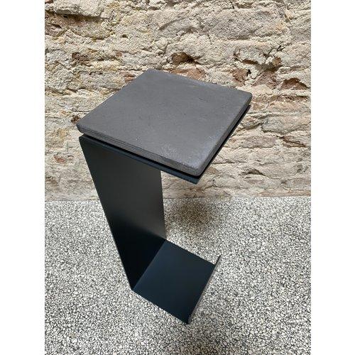 Design Van Rein Meni - Steel Stand - Blue