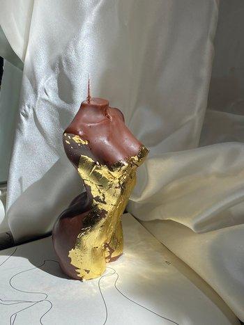 Sainté.co BIG GODDESS MAHOGANY GOLD  CANDLE