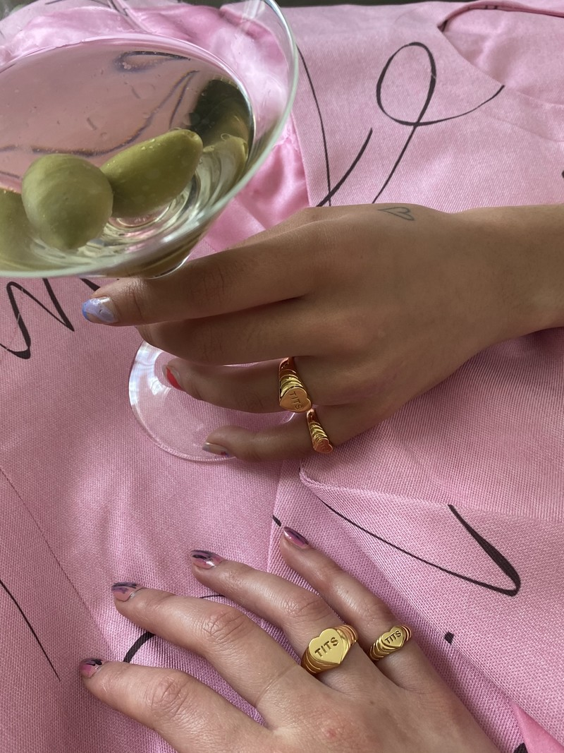 T.I.T.S. T.I.T.S. PINK HEART RING GOLD