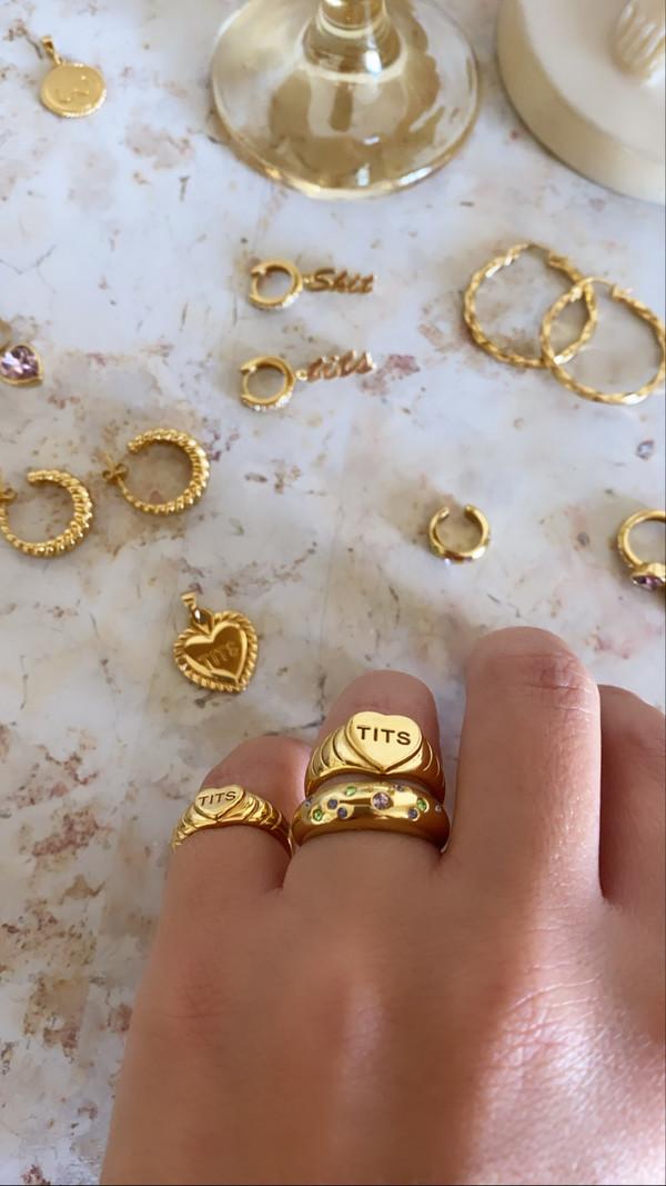 T.I.T.S. T.I.T.S. BIG HEART RING GOLD