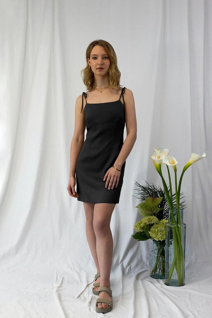 Capsule LITTLE BLACK DRESS