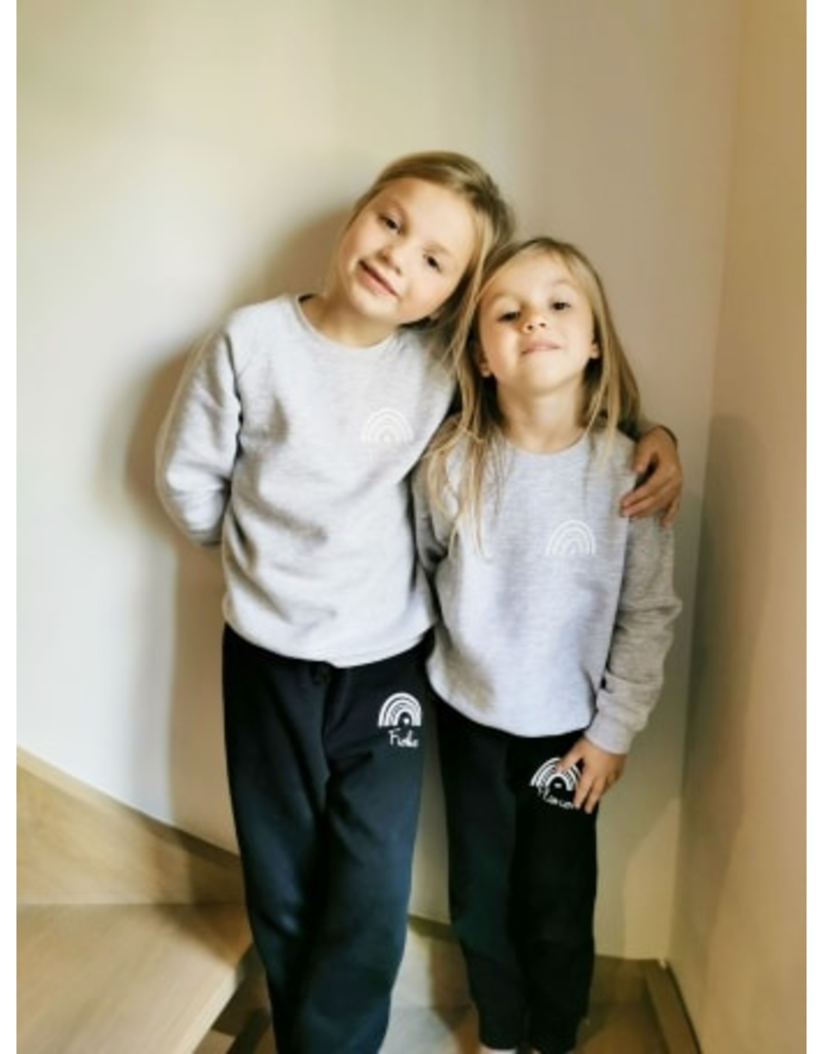 Twinning sweater kind