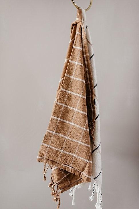 OYOY OYOY Gobi Tea Towel - Camel/Off White