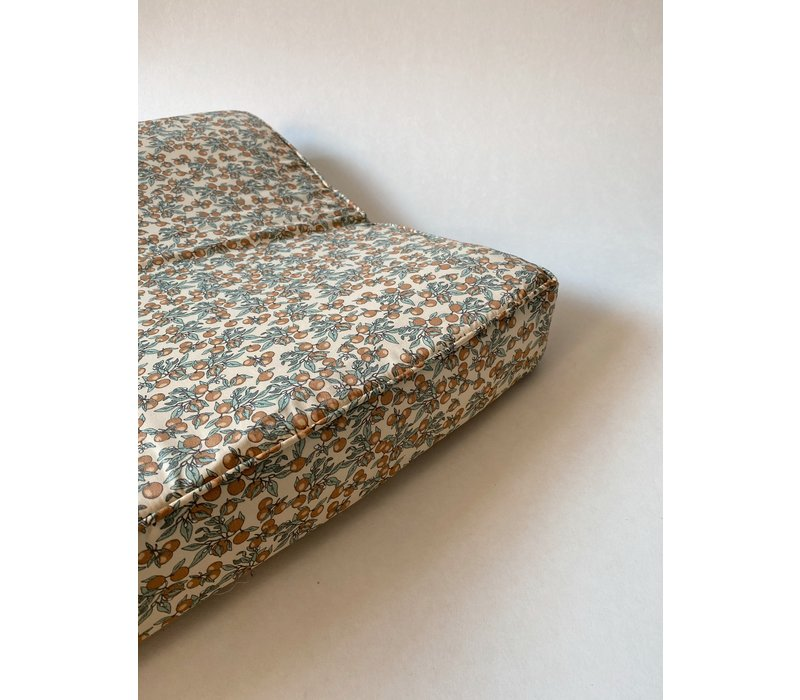 Konges Sløjd Changing Cushion - ORANGERY BEIGE