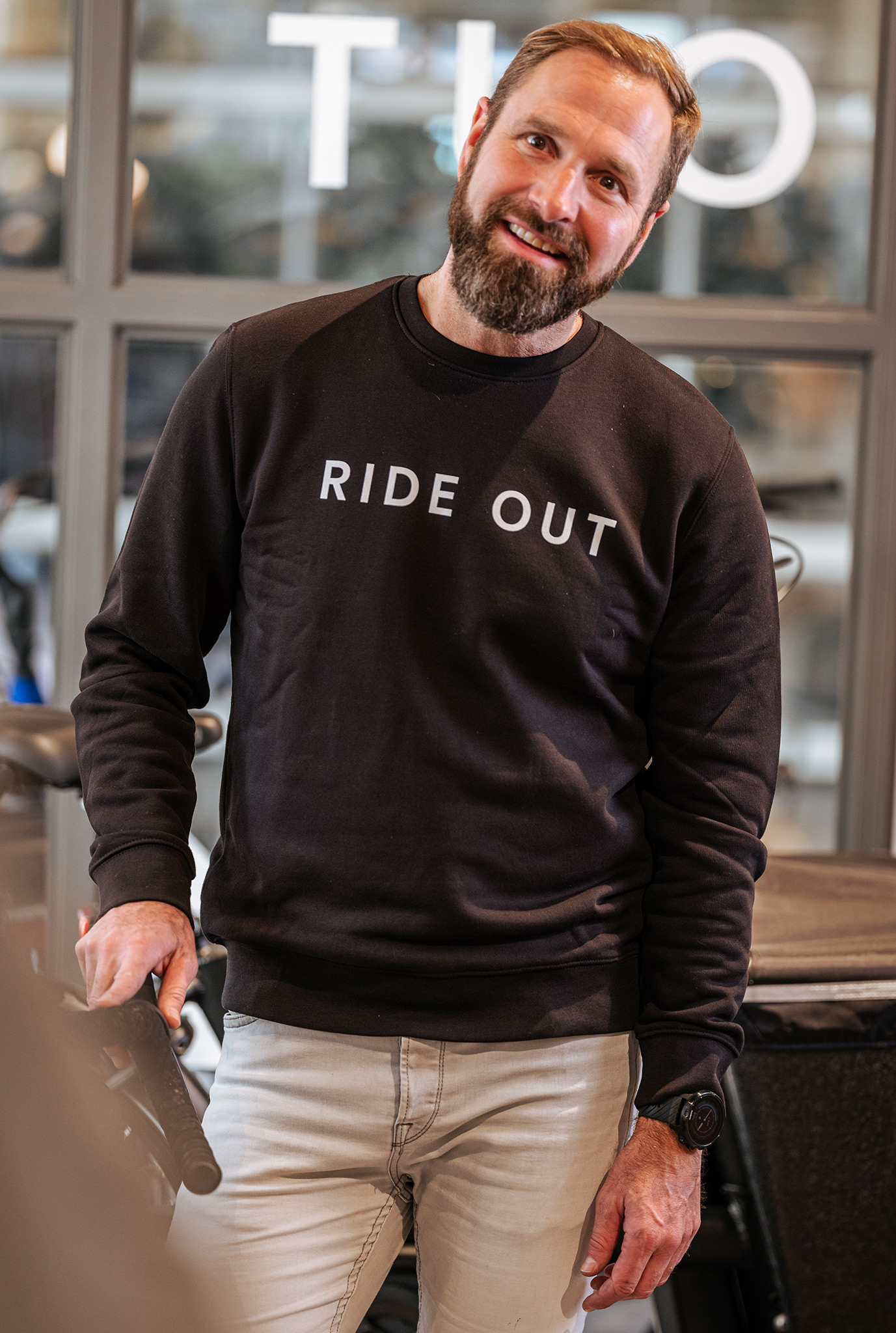 Ride Out - crewneck sweater - black-2