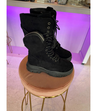 Rumah Long black boots