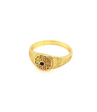 MUJA JUMA Gold Plated Onyx Ring Maat 52