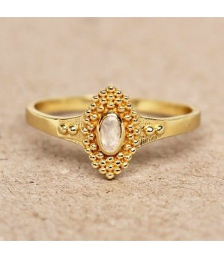 MUJA JUMA Gold Plated Ring White Moonstone With Dots Maat 52