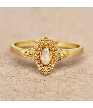 MUJA JUMA Gold Plated Ring White Moonstone With Dots Maat 54