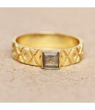 MUJA JUMA Gold Plated Ring Labradorite Square Crosses And Dots Maat 54