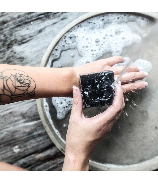 Woo Cares Charcoal houtskool zeep zwart Tranquility