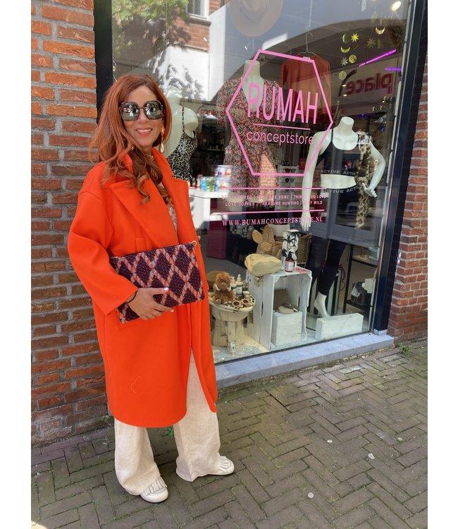 Rumah Jas 'orange Audrey'