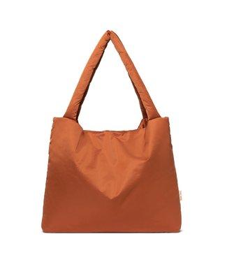 STUDIO NOOS Rust puffy mom-bag