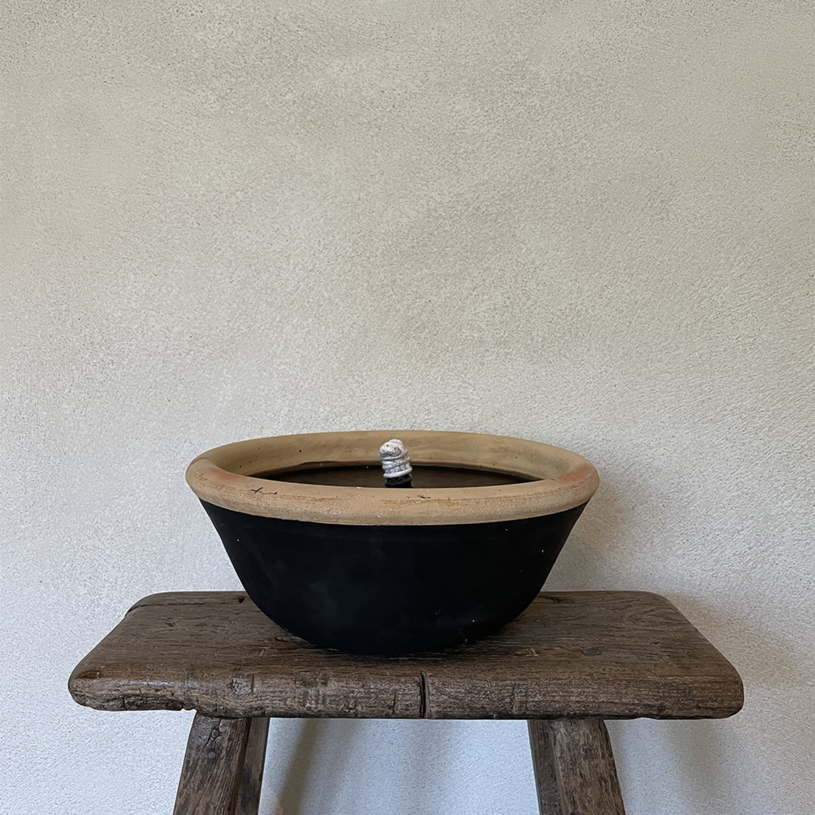 Terracotta outdoor candle - black