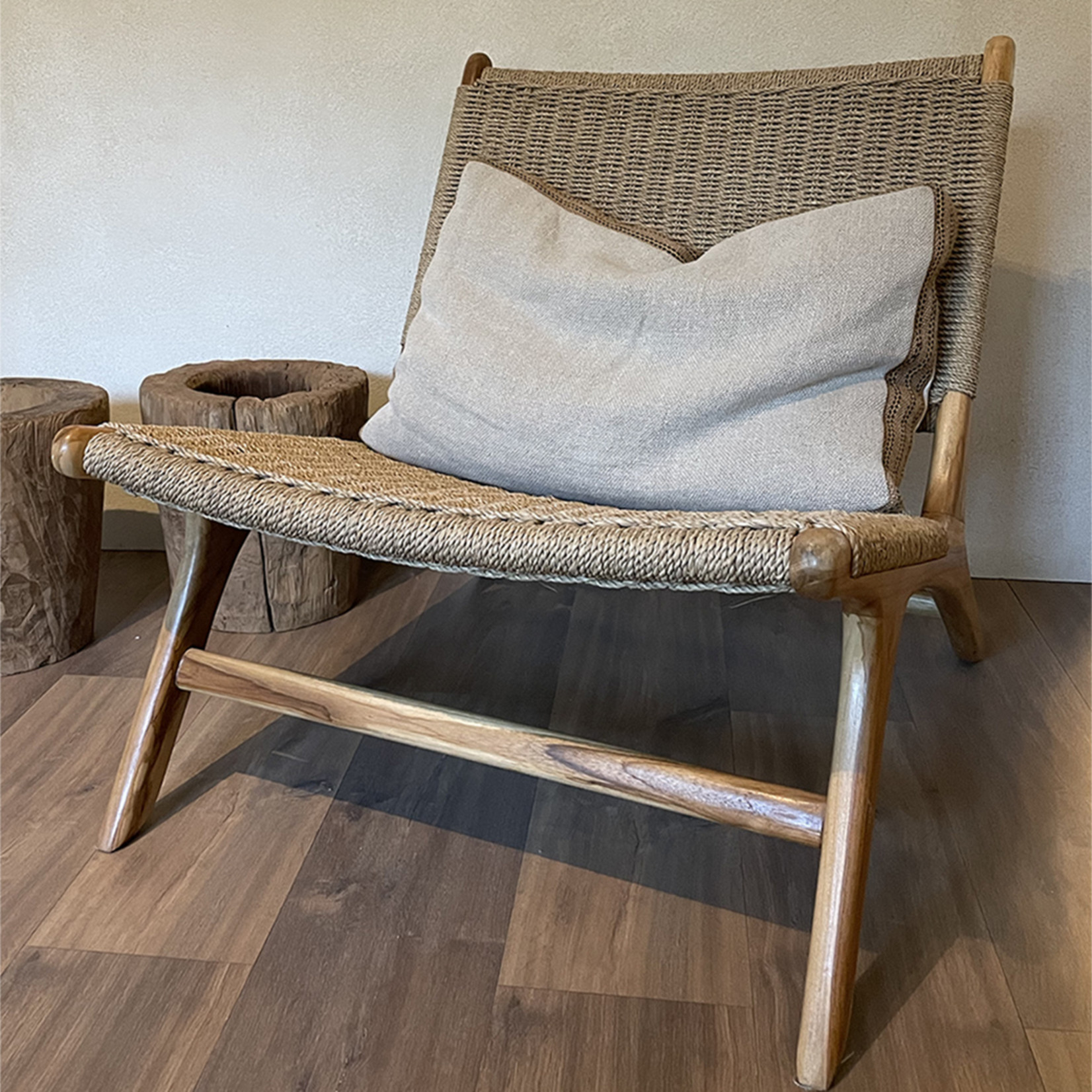 Seagrass lounge chair