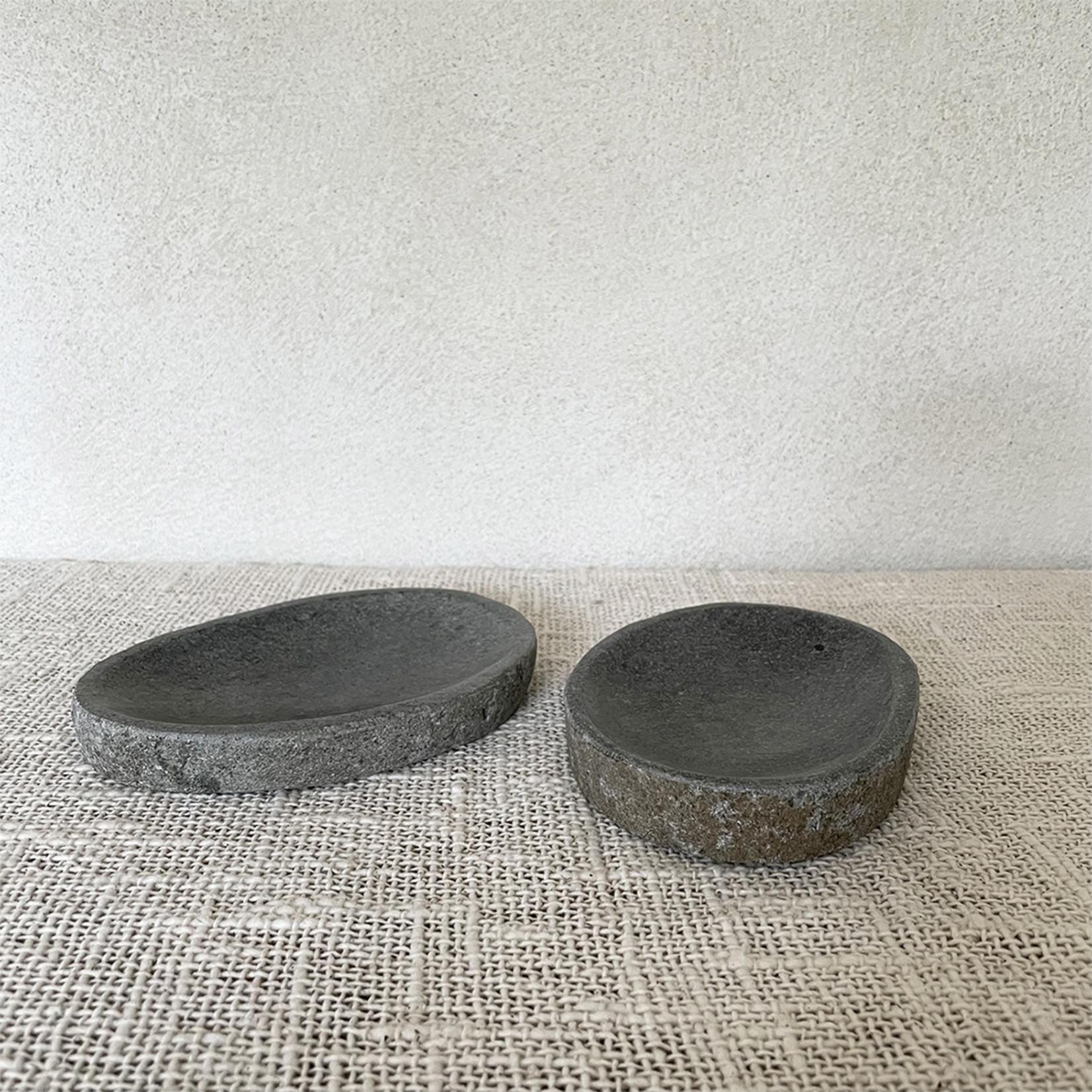 Pebble stone tray