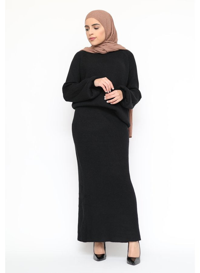 Classy twinset with skirt - black
