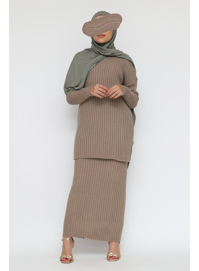 Ribbed twinset with skirt -taupe