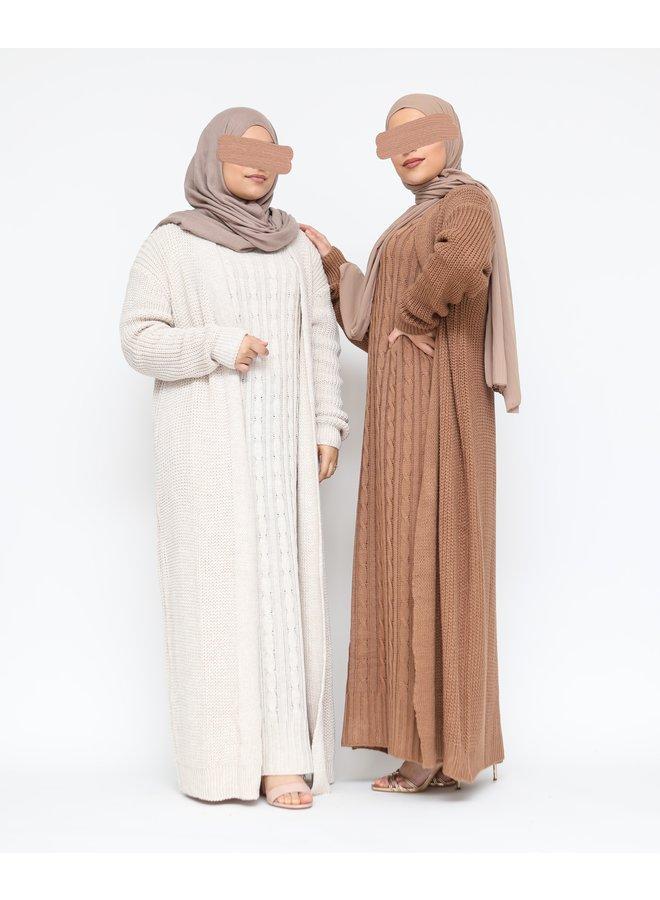 Lange twinset met kabelpatroon -camel
