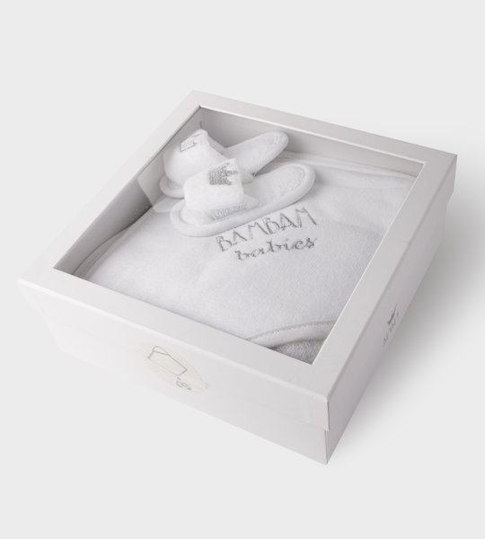 Hooded Towel And Slippers Giftset White