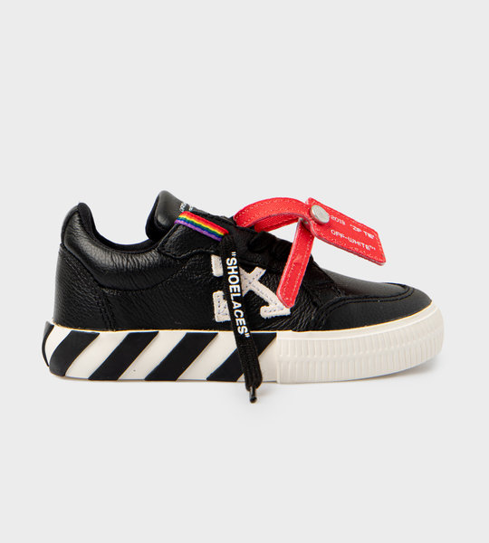 Low Vulcanized Leather Sneakers Black