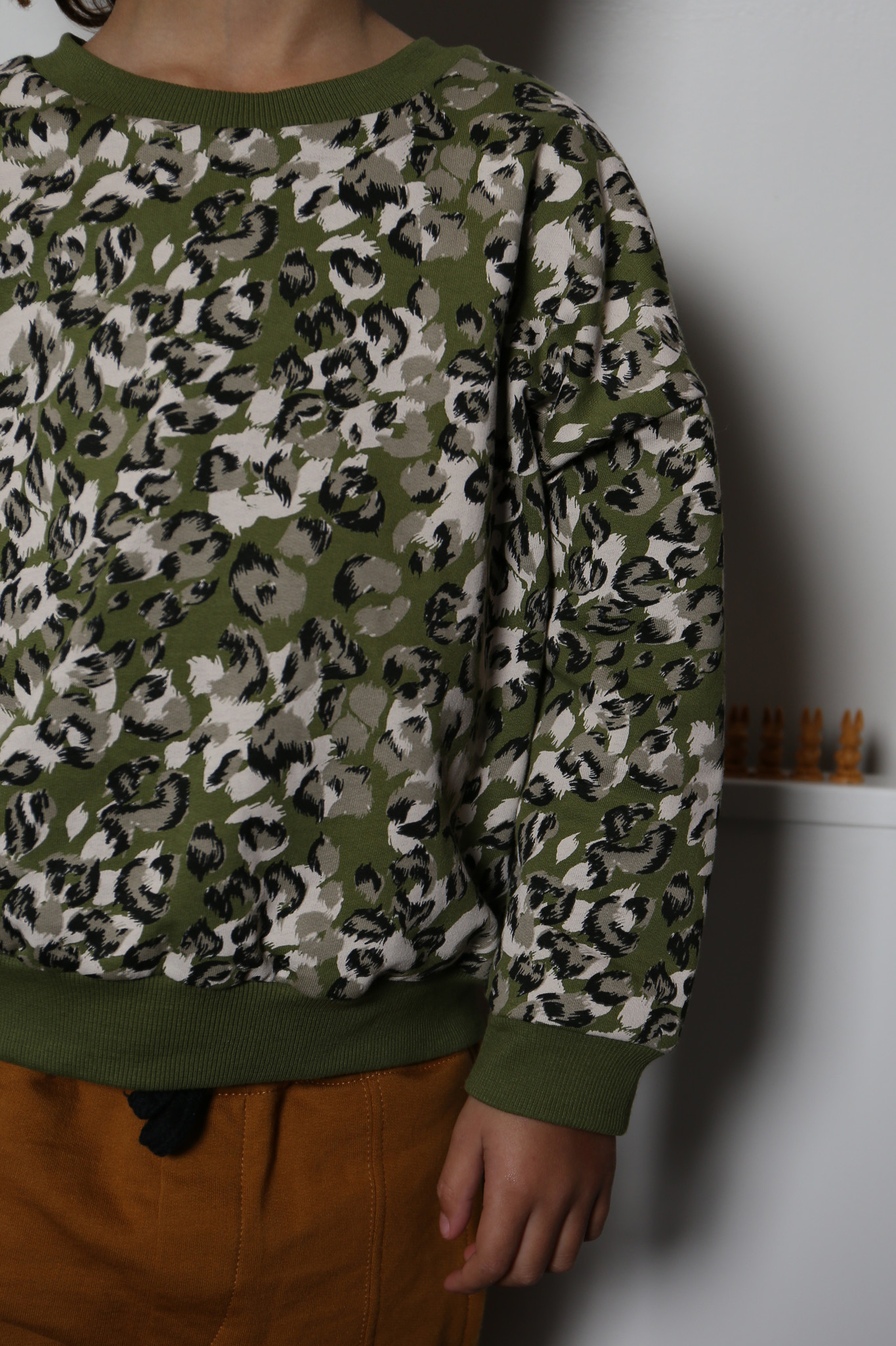 Leopard camo sweater olive rose-4