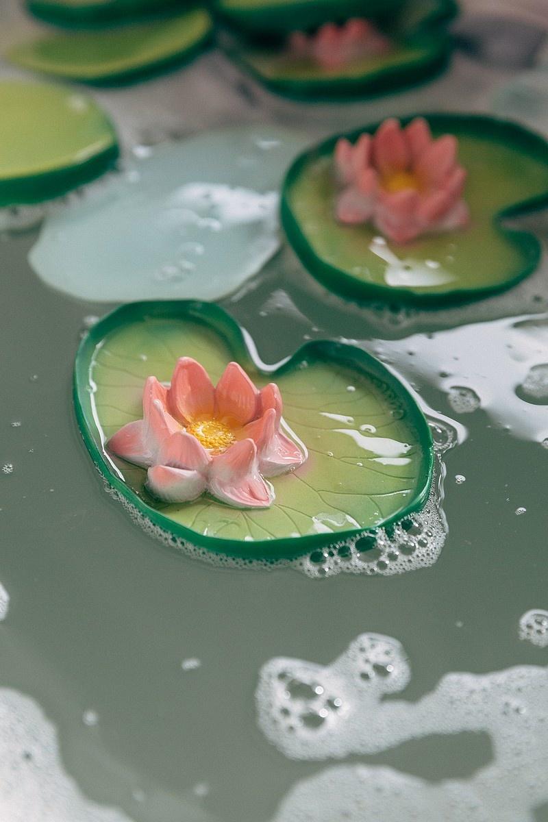 Bath toy Waterlily-3