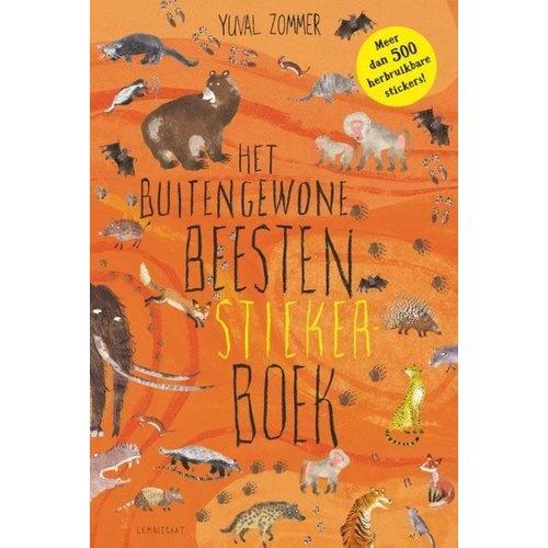 Het Buitengewone Beesten Sticker Book-1