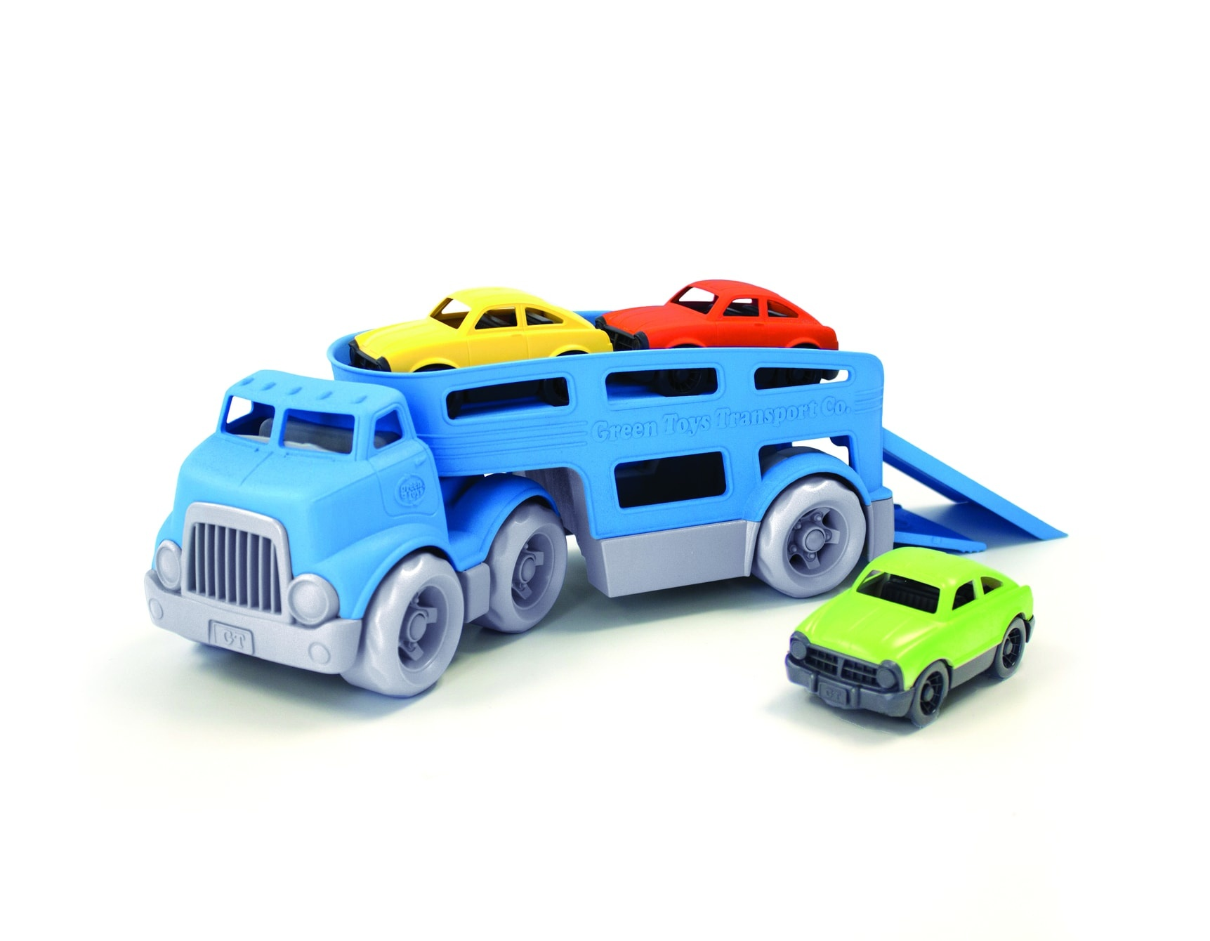 Car carrier with three cars-1