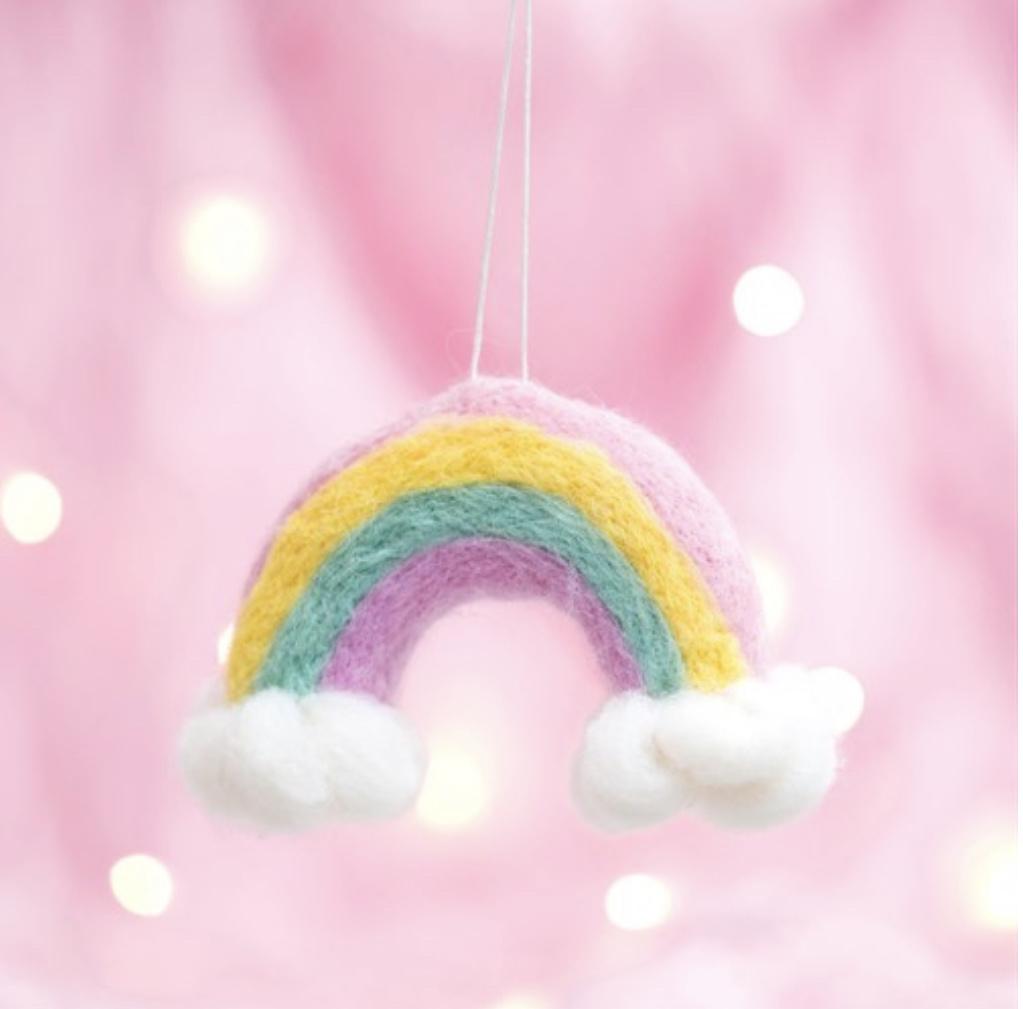 Wonderland vilten regenboog en wolken kerstversiering-1