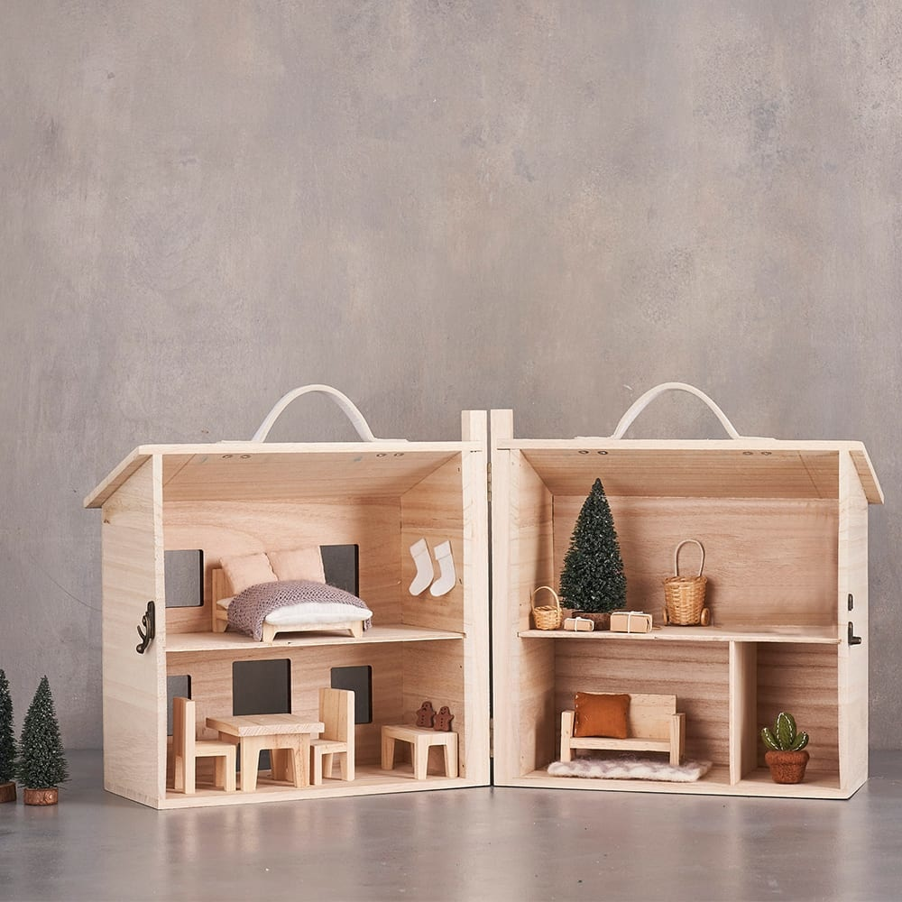 Holdie Doll House-2