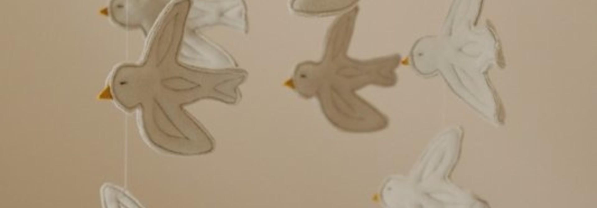 Mobile birds Natural
