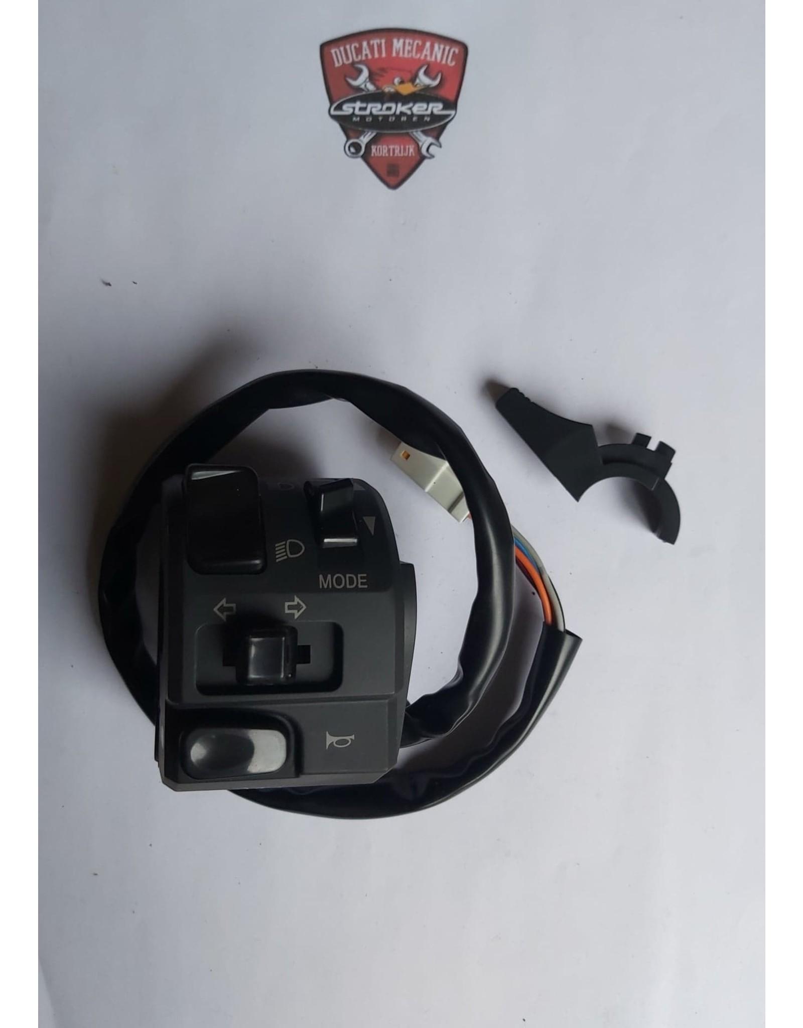Ducati DUCATI LEFT HANDLE SWITCH 65110091A