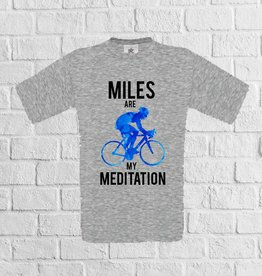 Miles are my meditation fiets t-shirt grijs