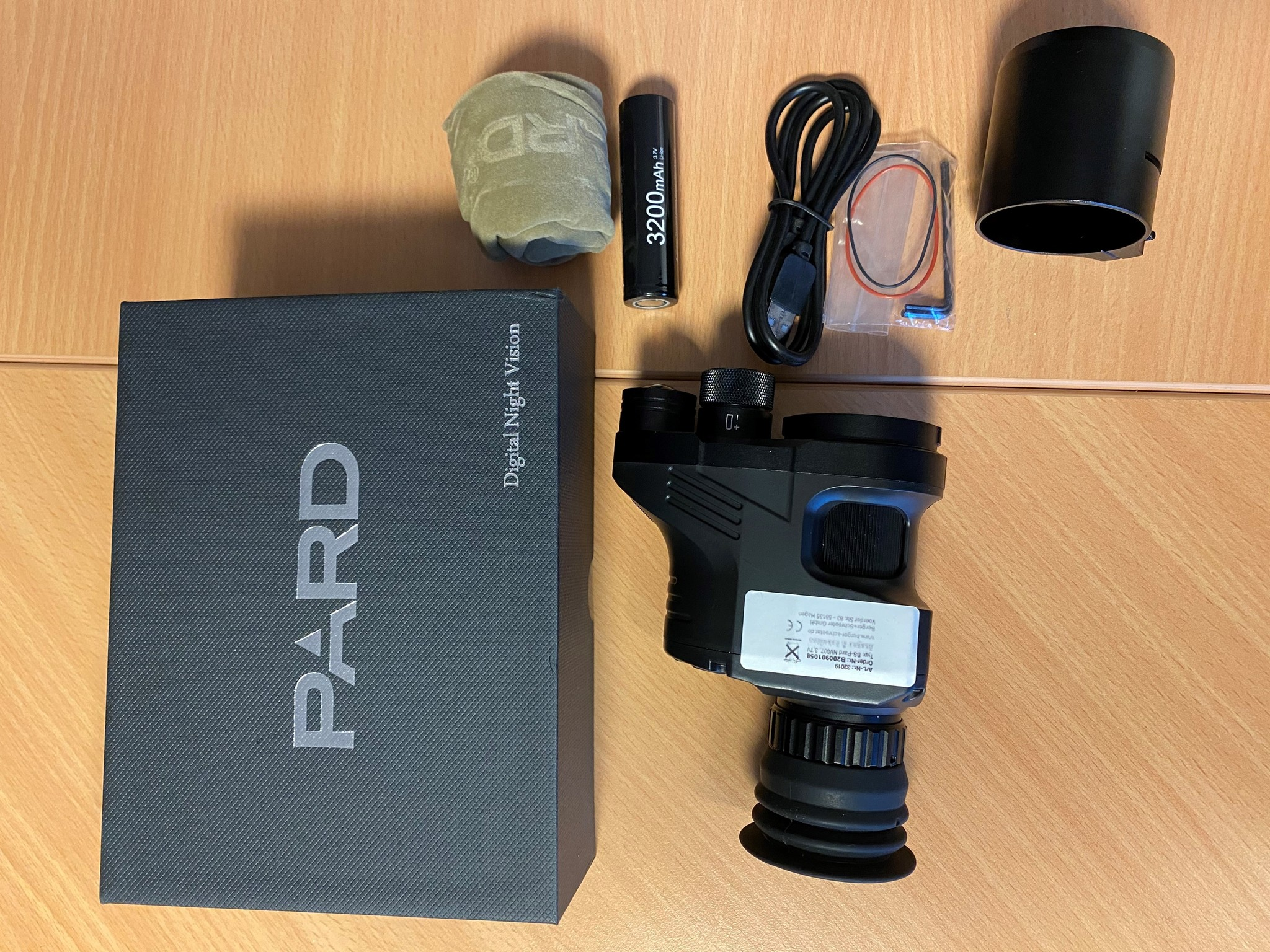 Digitales Nachtsichtgerät PARD  NV007 A