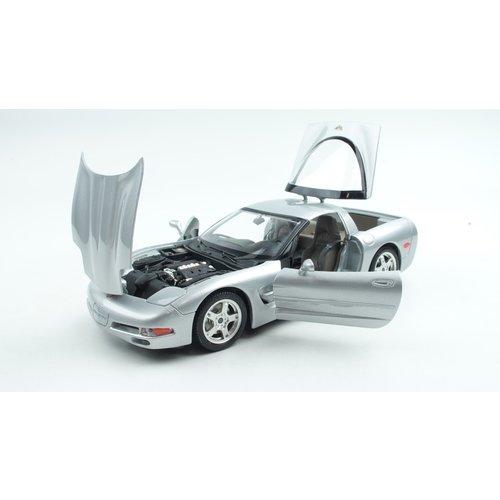 Bburago Bburago Chevrolet Corvette Coupé 1997 Grijs 1:18
