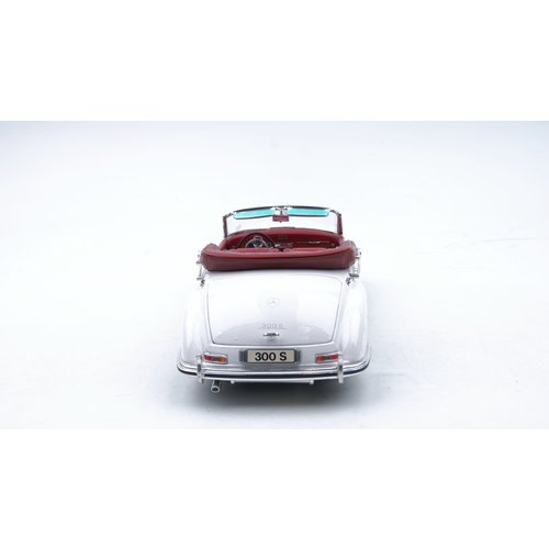 Maisto Maisto Mercedes-Benz 300 S 1955 Cabrio Wit 1:18