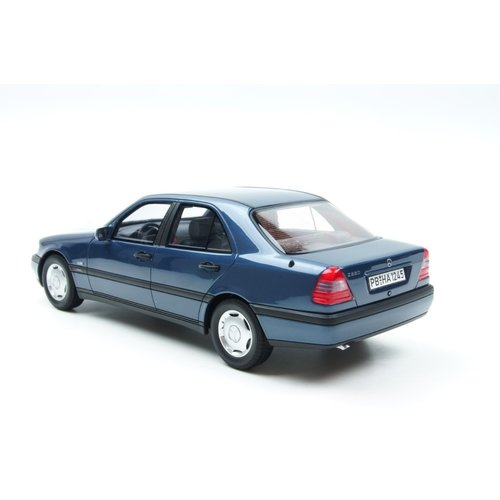 BOS Models (Best Of Show) Best of Show Mercedes-Benz C220 (W220) Sedan Blauw 1:18