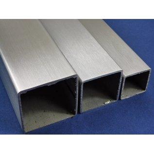 Versandmetall vierkantbius, roestvrij Staal, 1.4301, geschuurd(grid)240, 50 X 50 X 2, Lengte 2500 mm
