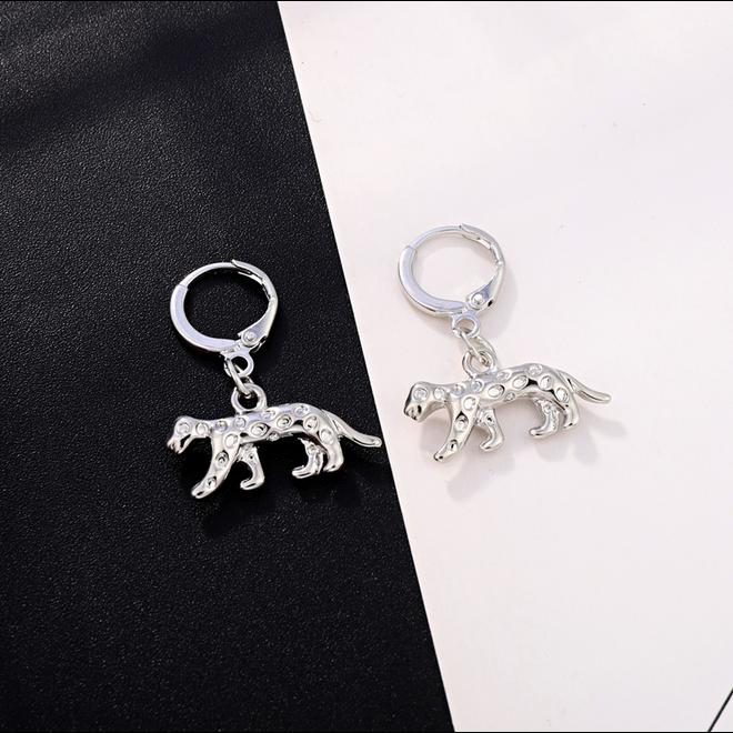 Luipaard Oorringen | Animal Charms | Zilverkleurig