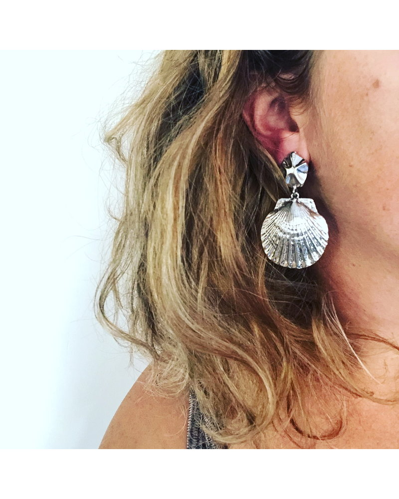 Fashion Favorite Sea Shell Oorhangers | Zilverkleurig | Schelp Oorbellen