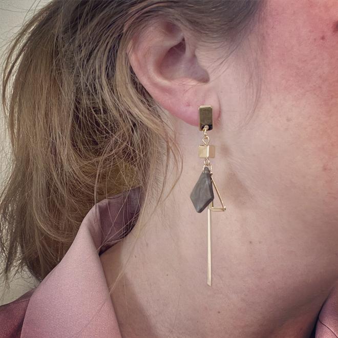 Noya Oorbellen Grijs / Goud   Marble / Bijoux   Fashion Favorite